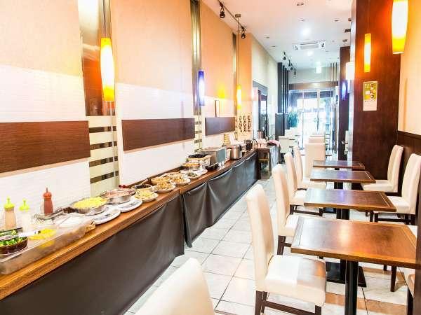 【お食事処】明るい雰囲気のレストランGin-yuba です♪1階エレベーター前にございます。