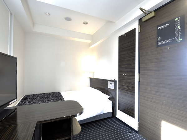 【ダブルルーム】10平米/140cm幅ベッド