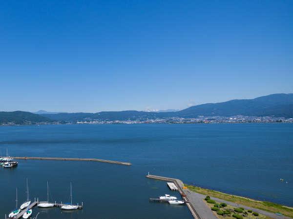 【ホテルからの眺望】眼下に広がる雄大な諏訪湖の景色をご堪能ください。