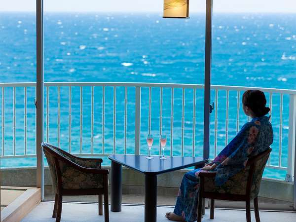 海を眺めながら至福の時をお過ごしください♪
