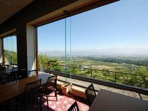レストラン「でいらぼっちゃ」からの景色♪格別な眺めを堪能しながらお食事をどうぞ!
