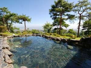 昼は美ヶ原高原、夜は松本安曇平の夜景を眼下にのぞむ大パノラマ!