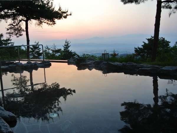 露天風呂からの日の出はお泊りの方だけの特権です