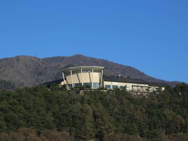 標高約800mの高台に建つ当館は、天空の宿と呼ばれています