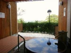 小網代湾を望む露天付の客室