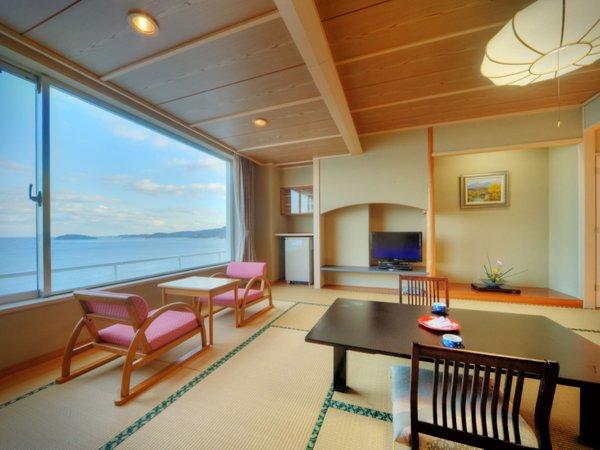 【東館和室(一例)】客室からは志津川湾を一望♪朝日も見る事が出来ます。
