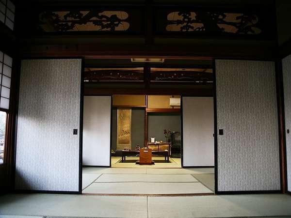 旧館和室22畳。昭和8年に建造された、かつての結婚式場です。