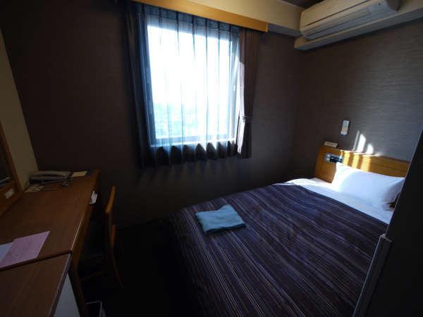 ◆シングルルーム:ベッド幅140cmでゆっくりとお休み下さい♪