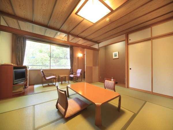 ■和室/ゆったりとした和室は、木のぬくもりと畳の香りに包まれています