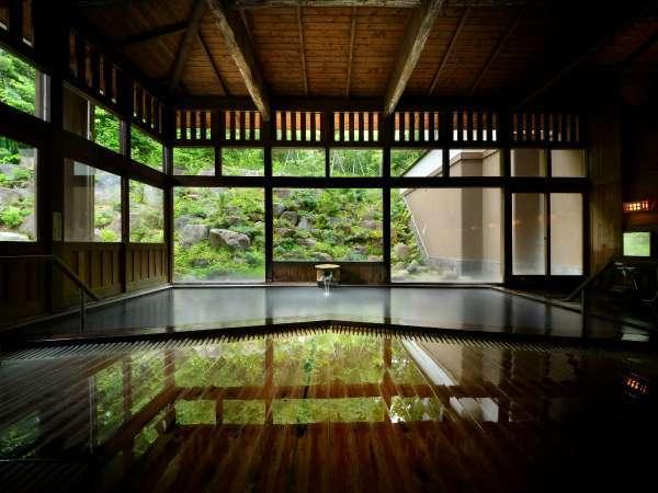 ■内湯/天井高・総木造りが醸し出す雰囲気をお愉しみください