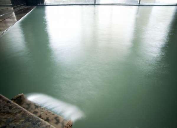 当館の温泉は加温・加水なし、循環ろ過・塩素消毒なしの源泉100%掛け流しとなっております。