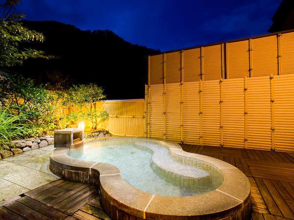 【貸切露天風呂】月の湯(夜景)満天の星空を眺めながらプライベートな湯浴みをお愉しみください。