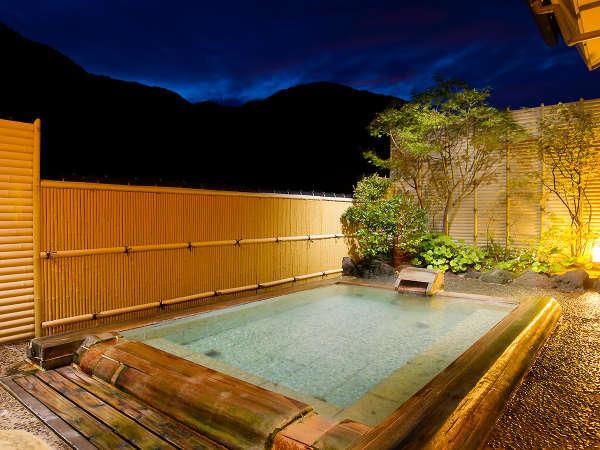 【貸切露天風呂】星の湯(夜景)満天の星空を眺めながらプライベートな湯浴みをお愉しみください。