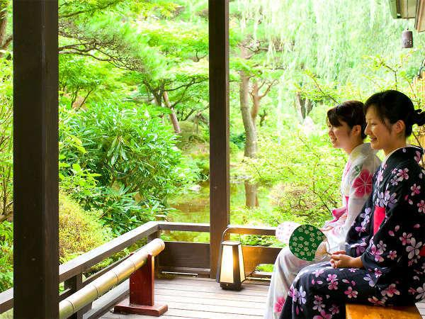 【日本庭園】木々の緑の変化や野鳥のさえずり、可憐に咲く花々を是非お楽しみください。