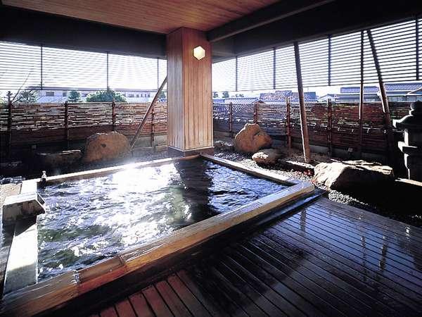 【女性露天風呂】開湯1200年の歴史を誇る湯村温泉。武田信玄の隠し湯の一つと云われています。