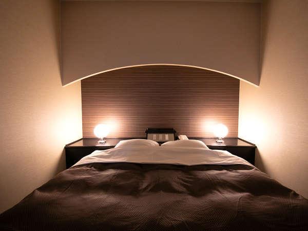 「本館」◆スイートダブル◆本館【最上階】スイートルーム―180㎝幅のキングサイズベッドで快適な眠りを