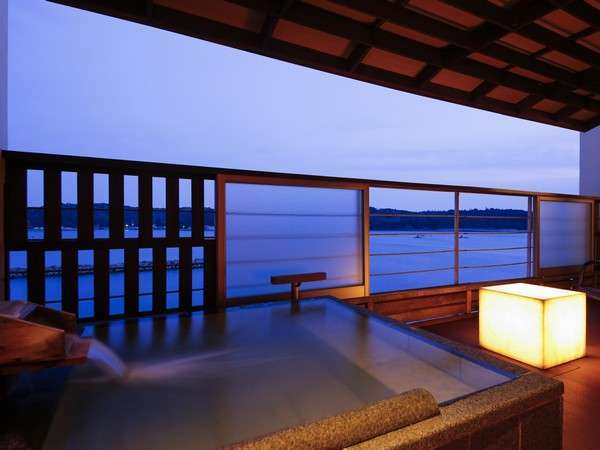 特別室の客室露天風呂