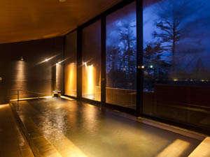 ◆フォレストホットスプリング:木々に囲まれた温泉でリラックスタイムをお過ごし下さい