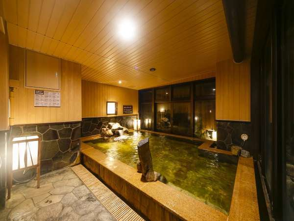 男性大浴場内湯営業時間:15時~翌朝10時