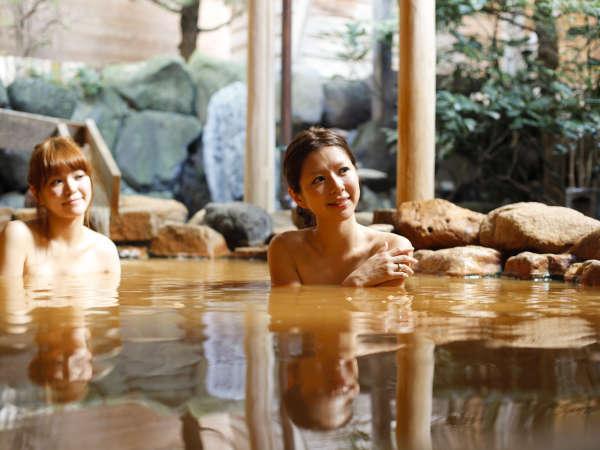 金泉露天風呂に浸かり、全身伸び伸びゆっくりと☆