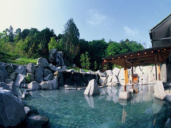 天然温泉「朝妻の湯」:三重エリア最大級の広々とした天然温泉大露天風呂です!