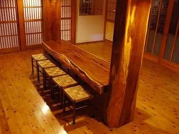 北関東一の『一位の大木』こちらで風呂上りにビールでもいかが!!
