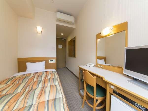 120cmのベッド&地上デジタルTV付きの部屋です!
