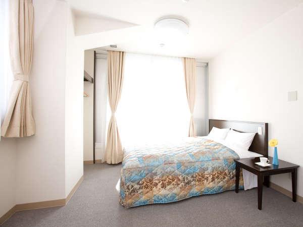 ダブルルーム 広々とした空間カップルや二人旅最適☆(ベッド幅160cm)