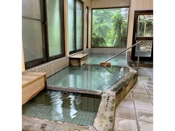 大浴場。こちらは露天風呂付きです。