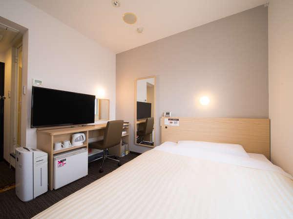 ワイドベッド(140cm幅)・静かで清潔なお部屋