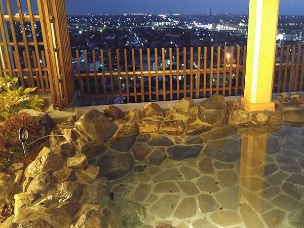 ■最上階12階 露天風呂 露天大山方面