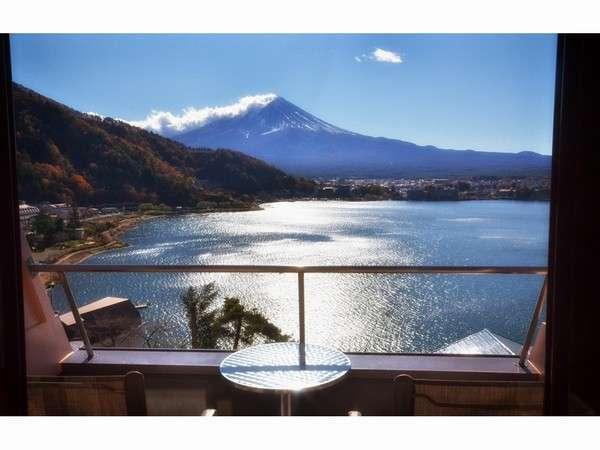 山梨 富士山の絶景を見れる素泊まり宿!