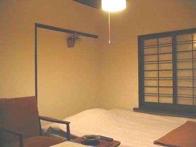 セミダブルベッドのお部屋です