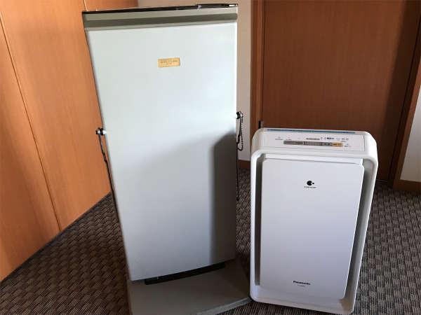 全部屋に加湿空気清浄機とズボンプレッサー常備