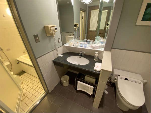 全室バスルームとトイレはセパレート!洗い場がついていてお子様連れでも安心♪