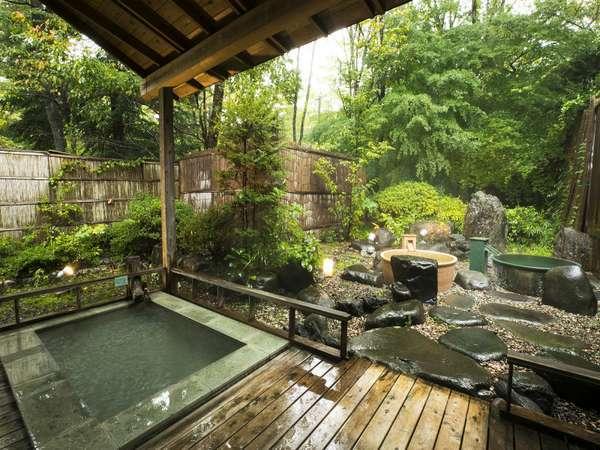 ゆったりと癒される露天風呂です。自家源泉のやさしいお湯をお楽しみ下さい。