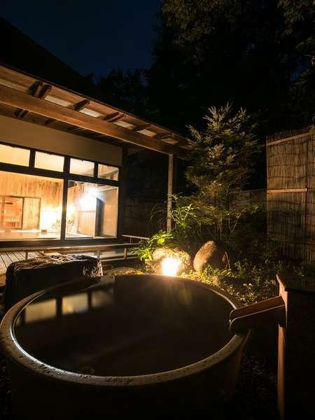 夜の露天風呂。ゆったりとした時間が流れます・・。