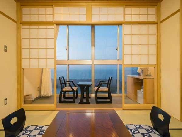 日本海の大海原を一望