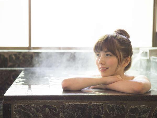 【コテージ温泉/一例】アルカリ性の温泉は、お肌つるつる美肌の湯です。