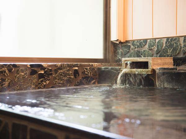 【コテージ温泉/一例】中房渓谷から引湯した泉質自慢の温泉です。