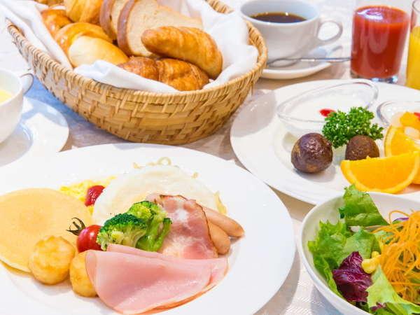 〇【朝食バイキング(洋食イメージ)】豊富なメニューの朝食バイキングでいつもよりたくさん食べられそう