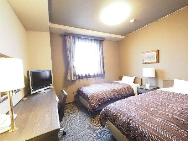 【本館ツインルーム】全てのお部屋でWOWOWをご覧いただけます。
