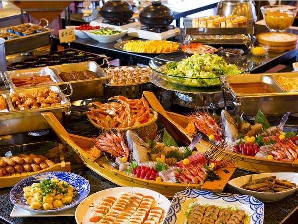 40品の和洋バイキング!天ぷら&ステーキ&ズワイ蟹の食べ放題あり
