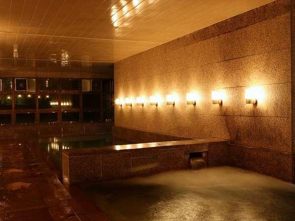 大浴場「きららの湯」御影石で作ったお風呂は、男女入れ替え制で皆様にお入りいただけます。