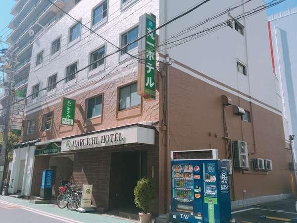 繁華街のど真ん中なので周囲には飲食店もたくさん☆