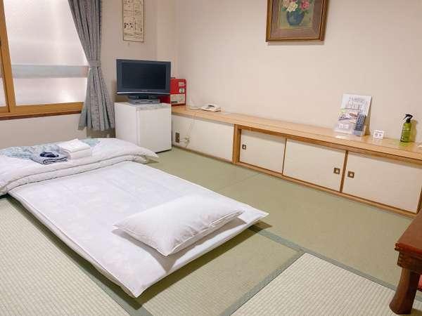 【和室6畳】1~2名まで。リラックスして落ち着けるお部屋です。