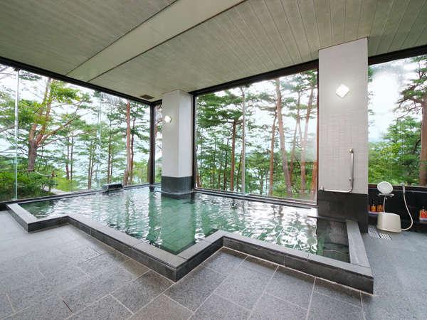 さけの湯(開放感あふれる大浴場)