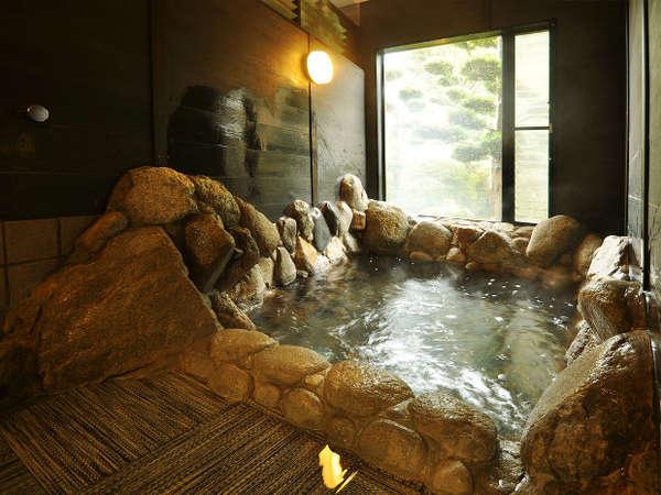 女性用大浴場。19時以降なら貸切風呂として利用可能