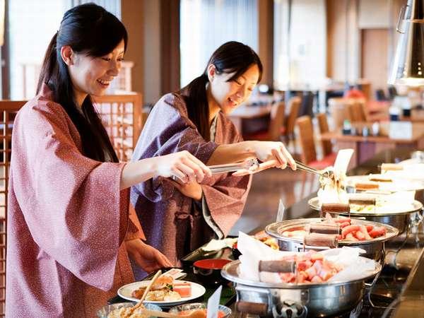 あれもこれも欲しくなっちゃう♪和洋50種の朝食バイキング!