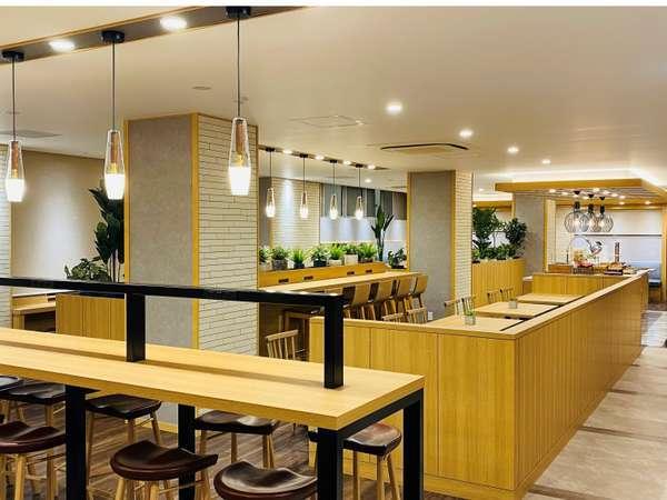 新しくなったカフェのような朝食会場★ 全席にコンセント完備♪